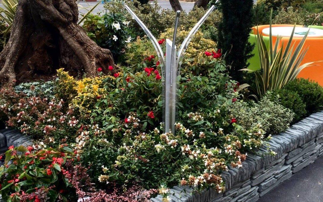 Stile ed eleganza con i paletti per illuminazione esterna parco